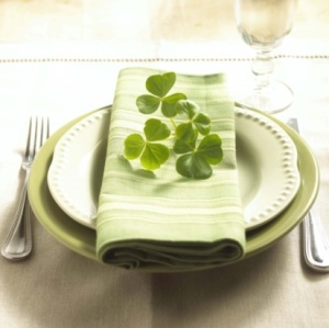 plates cutlery table linens