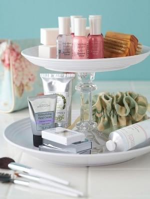 make up bathroom organization