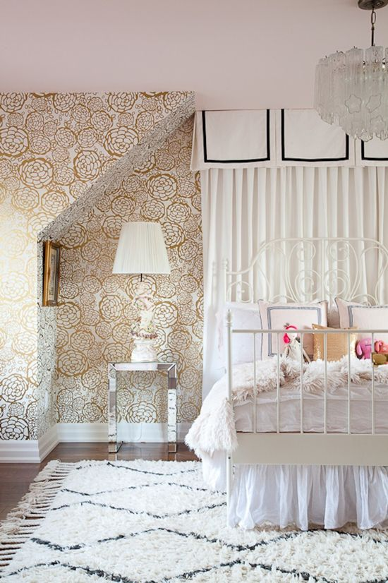 gold leaf girl bedroom mirrored table