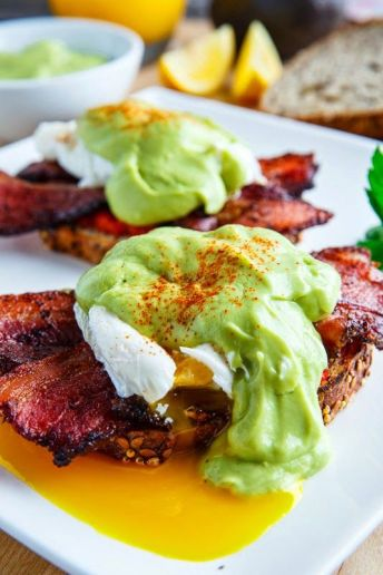 http://www.closetcooking.com/2014/05/eggs-benedict-with-bacon-and-avodaise.html